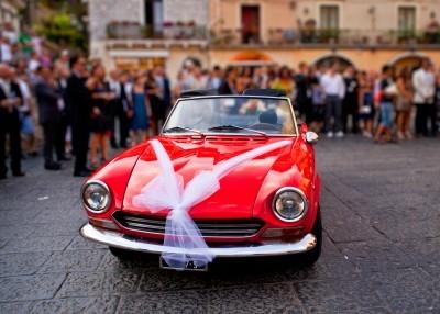 Ενοικίαση πολυτελούς αυτοκινήτου για το γάμο σας